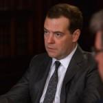 Медведев призвал поддерживать малый бизнес
