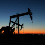 Нефть дешевеет в рамках коррекции