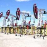 На торгах в Нью-Йорке нефть марки WTI подешевела до 55,85 доллара за баррель на фоне данных о росте запасов в…