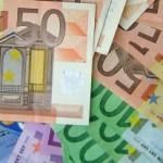 Евро упал до девятилетнего минимума