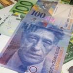 Курс евро к швейцарскому франку рухнул на 30% из-за решений Центробанка Швейцарии