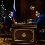 Медведев поручил принять меры для сдерживания цен на продовольствие