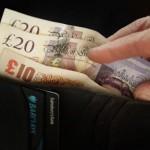 Инфляция в Британии упала до 15-летнего минимума