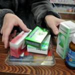 Кабмин запретил продавать медикаменты вне мест стационарной торговли