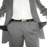 Депутатов-должников лишают зарплат