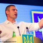 Кличко удивлен требованием киевлян повысить зарплаты и остановить падение гривны