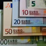 Доллар и евро обновили минимумы за три недели