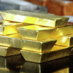 Золото заметно растет в цене