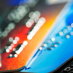 Банки на 40% сократили выдачу кредиток