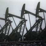 Мировые цены на нефть снижаются на фоне укрепления доллара