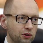 Кредит МВФ поможет Украине избежать дефолта, считает Яценюк