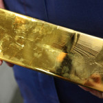 Золото подешевело на статистике по рынку труда США